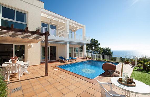 Almeria coastal property with seaview